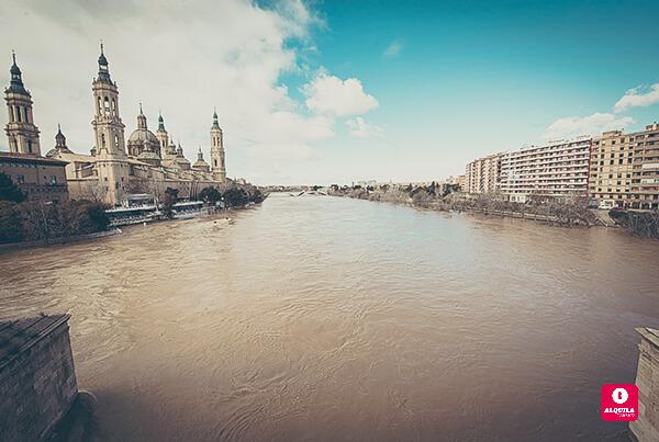 La crecida del Ebro más grande en veinte años